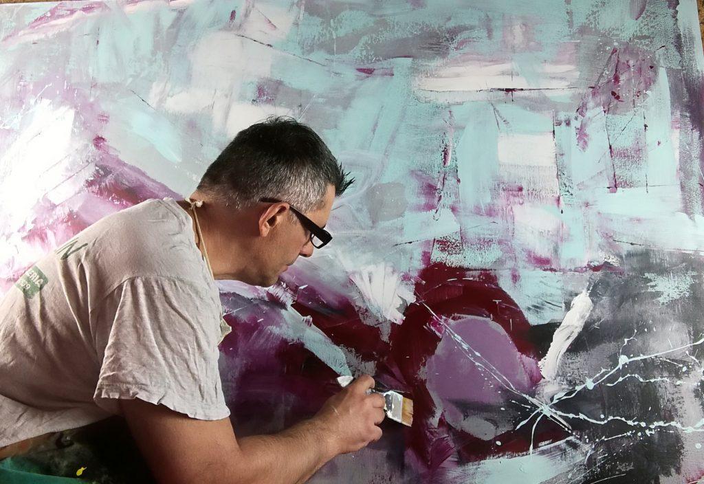 sauro con quadro c270 1024x704 - dipinto a mano grande per soggiorno dimensioni 180x90x4-2