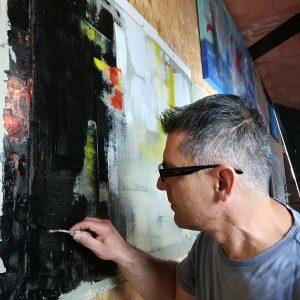 mentre dipingo nel mio studio